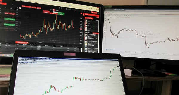 Using multiple monitor(s) by being an active trader is a must. You know how valuable your work space is when it comes to managing numerous charts by tiling them all in different ways for clarity.